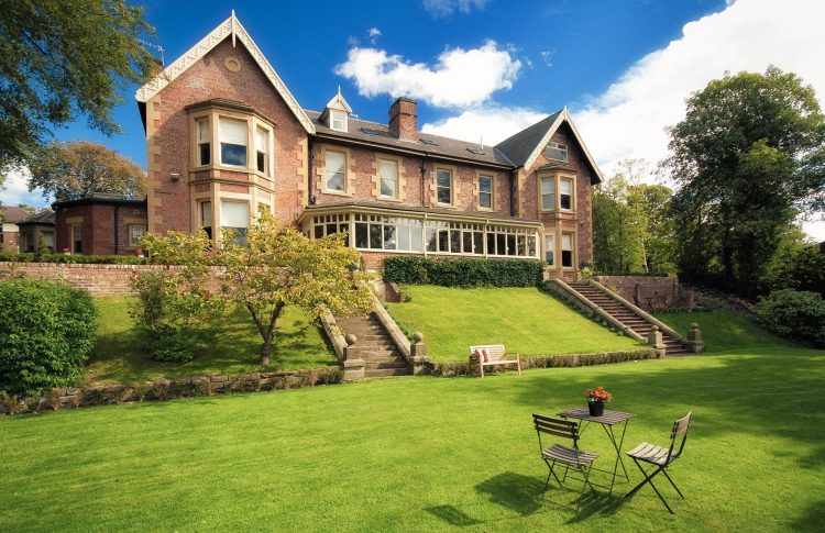 Eslington Villa acquired with the help of Mincoffs